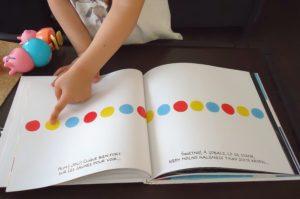 """przykładowa strona książki """"Naciśnij mnie"""""""